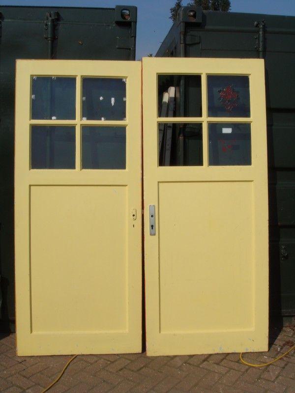 nr. 234 paneeldeuren met ruitjes , meerdere stuks, brede deuren