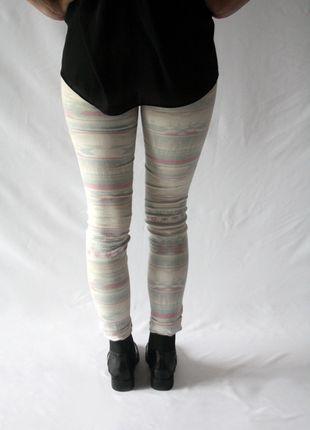 Kaufe meinen Artikel bei #Kleiderkreisel http://www.kleiderkreisel.de/damenmode/jeans/116603896-weiss-gemusterte-jeans-von-zara