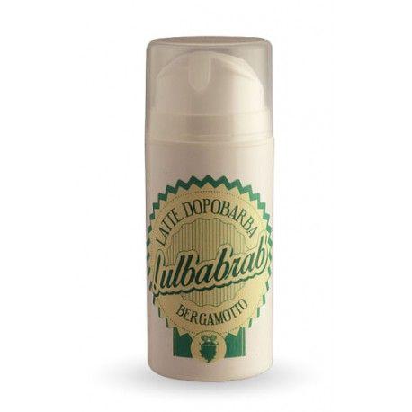Latte dopo barba Ulbabrab con crema idratante dall'inconfondibile profumazione agrumata al bergamotto rigenera la pelle mantenendola sana ed elastica.
