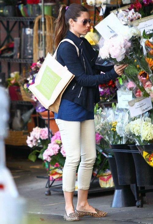 ジェシカ・ビール|海外セレブ最新画像・私服ファッション・着用ブランドチェック DailyCelebrityDiary*