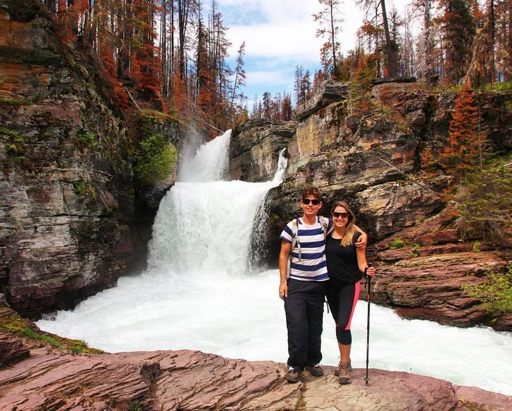 Quem aqui curte fazer trilhas que terminam em cachoeiras como esta? Nós curtimos demaaaais e a dica de hoje está no post sobre o Glacier National Park em http://ift.tt/1ZbGH4z  #glaciernationalpark #findyournationalpark #pegadasnaestrada #photography #traveling #usa #montana #estadosunidos #landscape #trilhas #aventura #love #awesome_shots #amazing #natgeotravel #nationalgeographic #braroundtheworld #missãovt #viajenaviagem #viajanet #brviajante #travelblog #whitewater