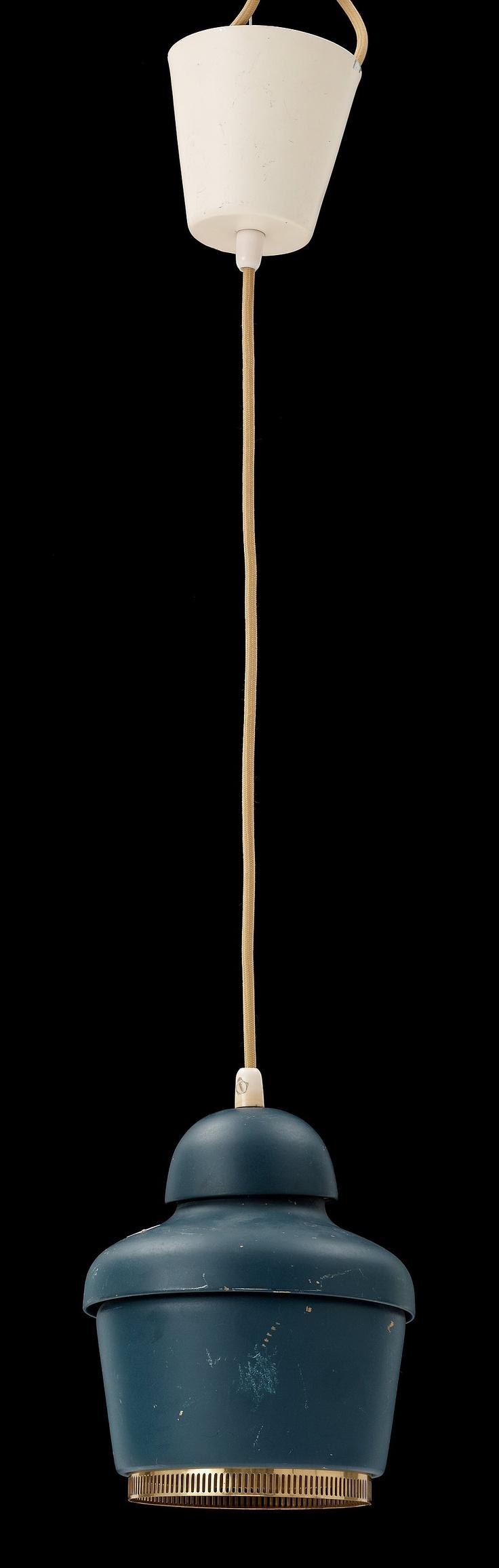 Alvar Aalto, A 330 Pendant Lamp (http://www.replicalights.com.au/replica-arteck-a330-bell-black-pendant-light/)