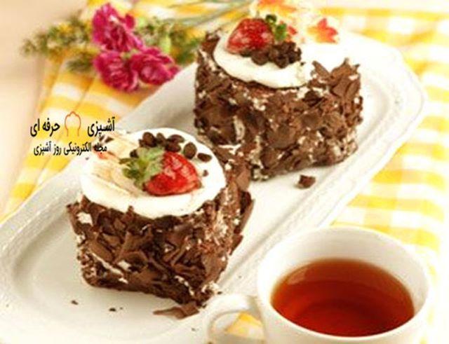 کیک و دسر فرانسوی دسری بسیار خوشمزه شیک مدرن هست و طعمی بینظیر دارد برای مشاهده مقالات بیشتر در دسته انواع دسر از سایت مجله آشپزی کوک مس Desserts Food Brownie