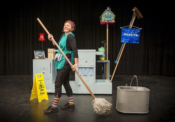 Mavis Sparkle - A cosmic, sparkly show for half term http://www.cumbriacrack.com/wp-content/uploads/2016/10/Mavis_Sparkle_3_credit_Lewis_Wileman.jpg The Old Fire Station in Carlisle is providing some magic and sparkle for the school half term with two performances of this beautiful and enchanting show    http://www.cumbriacrack.com/2016/10/13/mavis-sparkle-cosmic-sparkly-show-half-term/