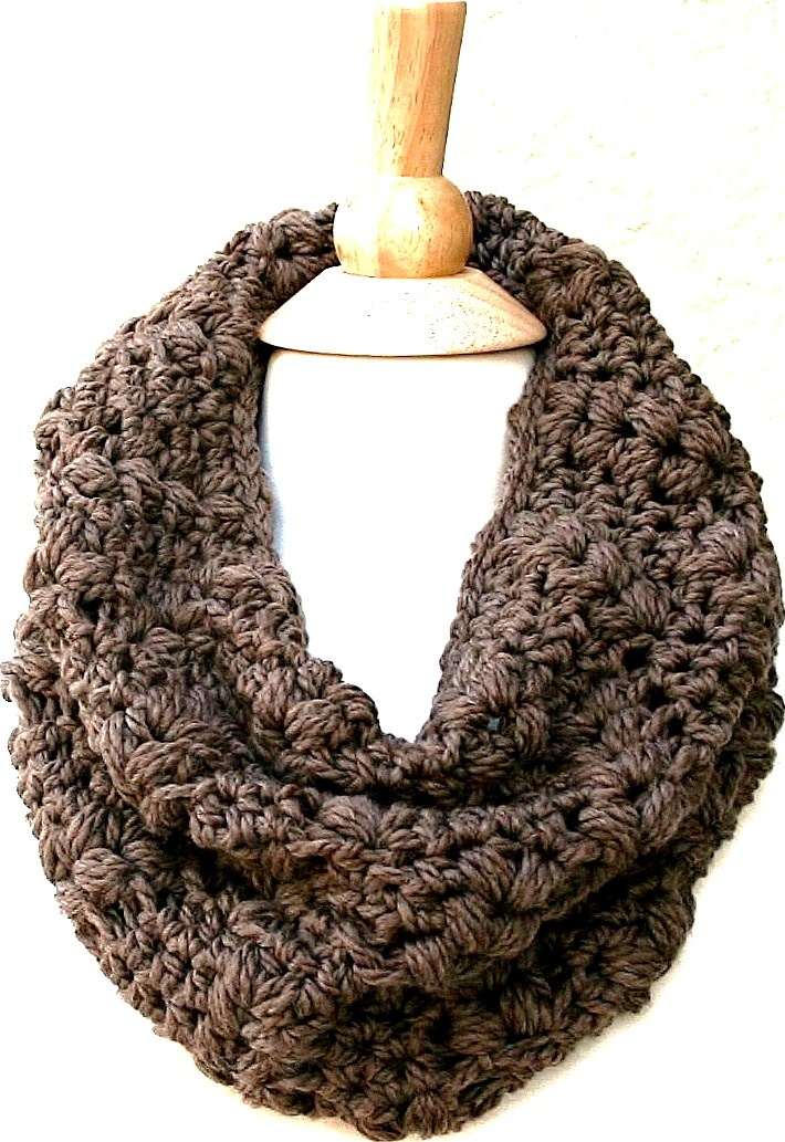 Downtown Woodlands Cowl in Taupe by www.behindmypicketfence.com