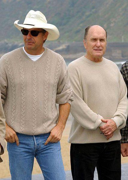 Kevin Costner & Robert Duvall 2 of my favorites.