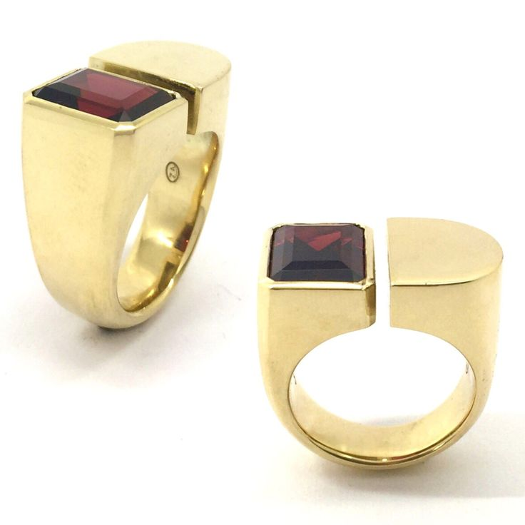 18k yellow gold and garnet  bespoke woman's ring by Sirkel Jewellery Design