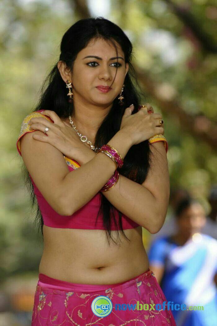 Tamil seduce