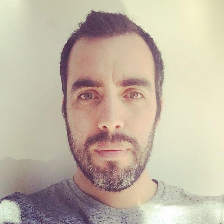 Actualizando la foto de #perfil para #rrss  #selfie #me #sebamarin #profile #profilepic #linkedin #instagram #twitter #facebook #instapic #instacool #indtagrammers #yo #i #moi #hello #hola #serious #serio #socialmedia #social #socialmediamarketing