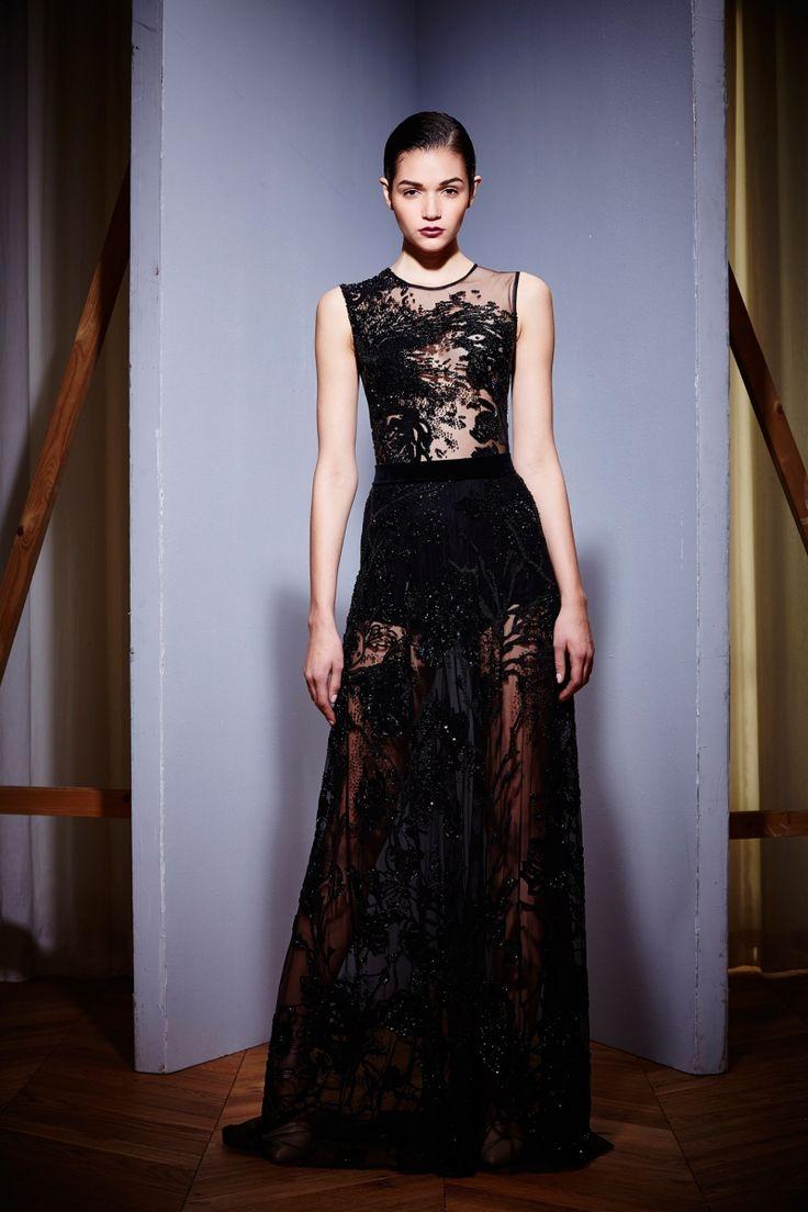 robe nouvel an en dentelle noire et jupe transparente