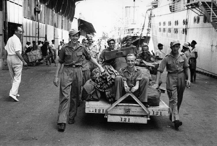 INDONESIA. Independence. 1949. The harbor of Tanjong Priok. Dutch soldiers leaving for home. From Magnum Photos website.