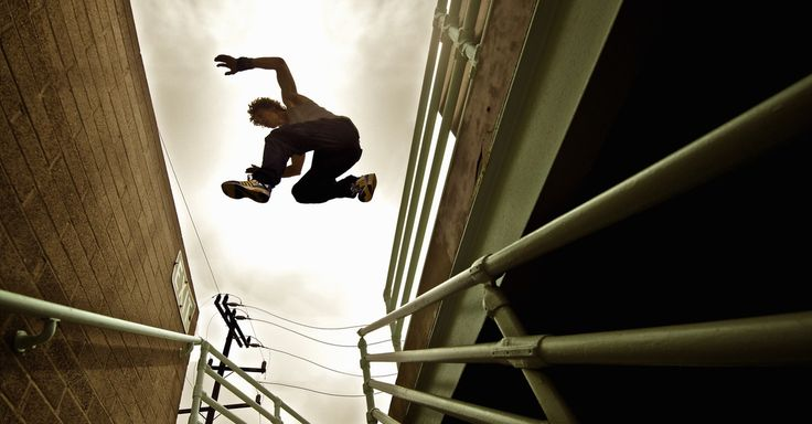Epic Parkour Roof Jump Will Scare You to Shreds With the help of two GoPro cameras, professional stunt man Ethan Swanson captured his epic jump from roof to roof.