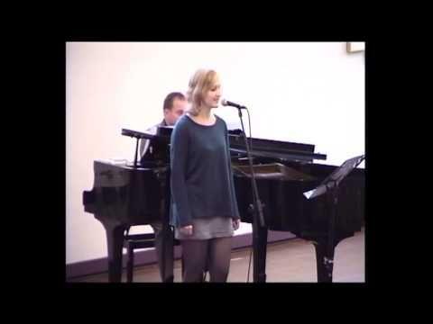 Rianne Bosch  op begrafenis van Opa Oostindie 7 nov 2013, gezongen liedje over de liefde tussen oma en opa, zo puur kan liefde zijn.