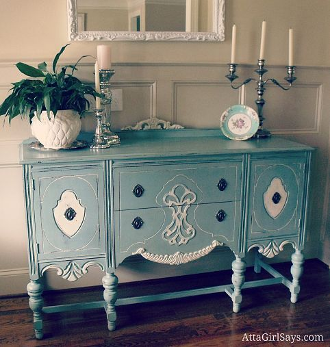 This one is better, maybe lighter color? ASCP Buffet painted in duck egg blue and old white.  Love how the details pop off w the whiteHand Painted Furniture, Hands Painting, Painting Buffets, Painting Furniture, White Chalk Painting, Duck Egg Blue, Annie Sloan, Ducks Eggs Blue, Painting Kitchens