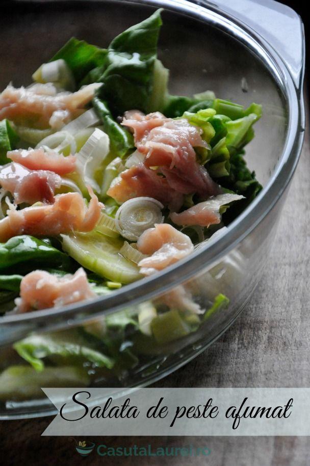 O salata fresh cu peste afumat si verdeturi