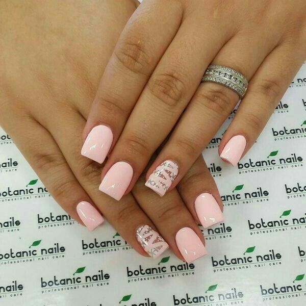 I Don T Like The Design On The Ring Finger I Only Love The Color Length And Shape Pink Nails Nail Designs Hot Nails