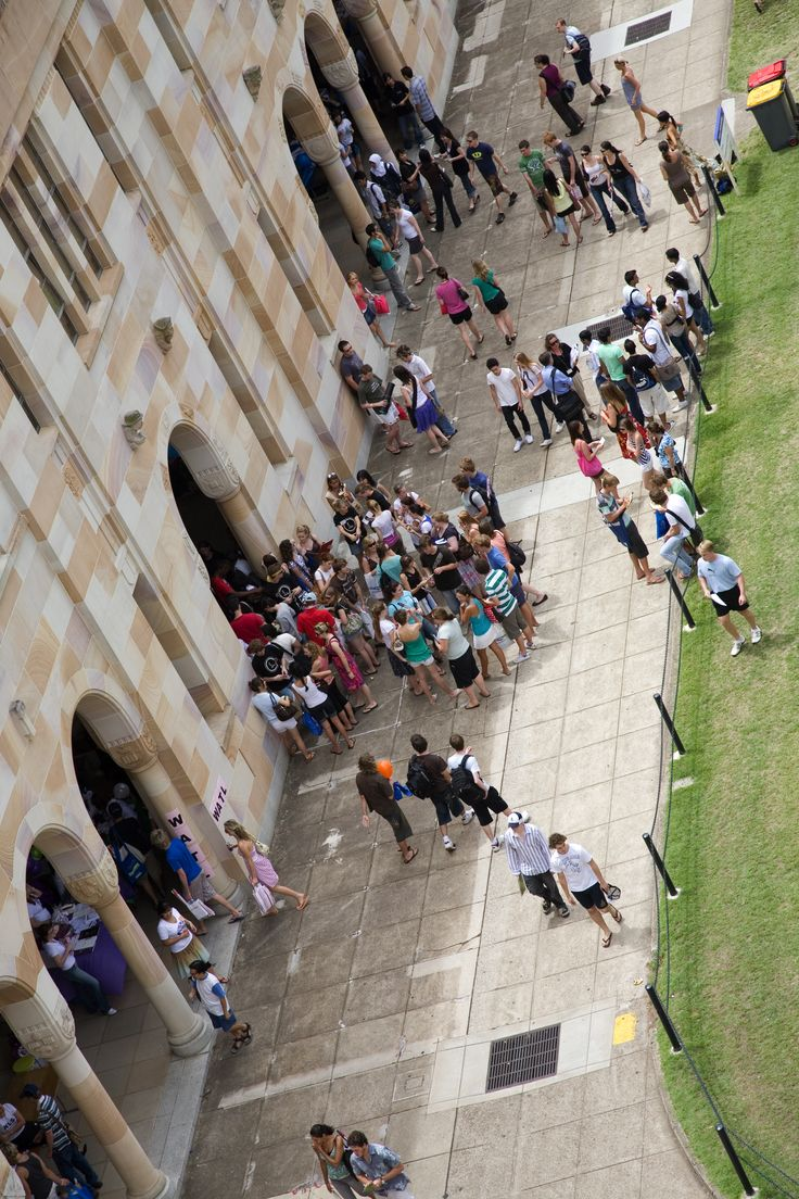 Crowds outside the Forgan Smith Building photographed from the Michie Building  Copyright 2013 The University of Queensland, all rights reserved