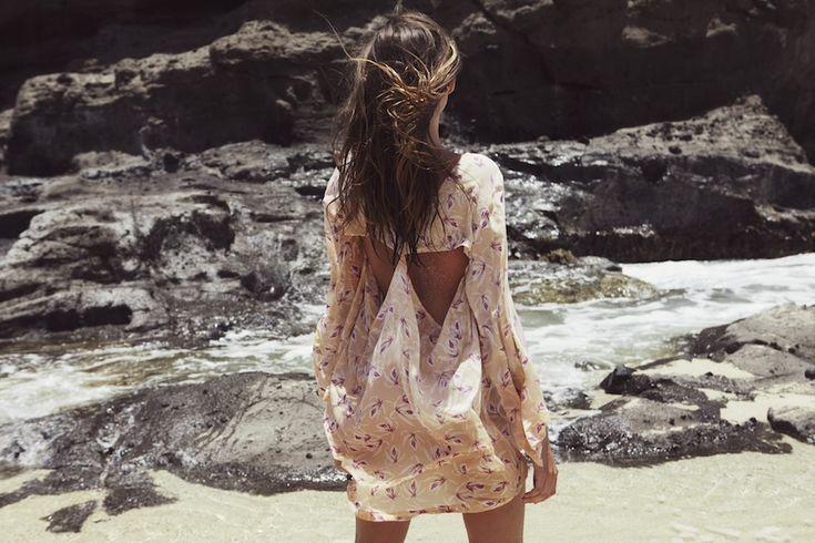 coco, limão e cal: perdido no verão ... sonhando com viagens rodoviárias e dias de praia - flatlay