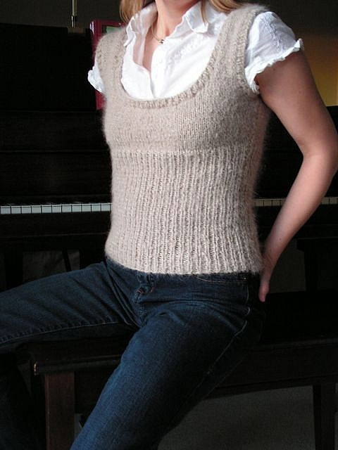 Knit Scoop Neck Vest by saganaga, via Flickr