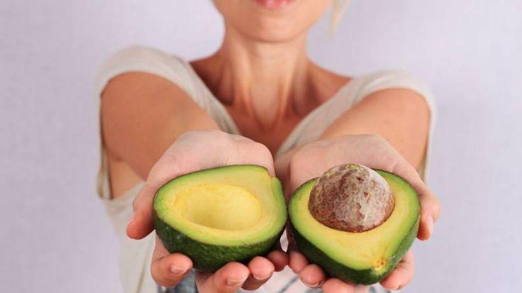 Beim Essen abnehmen? Avocados lassen diesen Wunsch wahr werden – und viele andere Frauenträume rund um Beauty und Gesundheit ebenso.