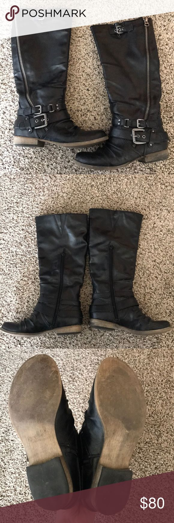 Carlos Santana Boots They will not come with the orig Box as it is too large.  Worn three times.  I purchased in hopes I can wear a thin sock however they are a tad bit too small. Carlos Santana Shoes Combat & Moto Boots