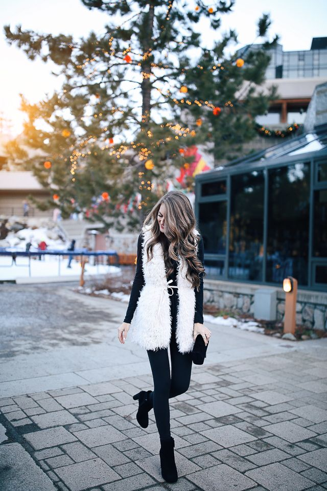 NYE - Southern Curls & Pearls: Casual New Year's Eve Outfit
