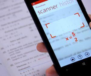 Die App PhotoMath löst Gleichungen mit der Kamera.