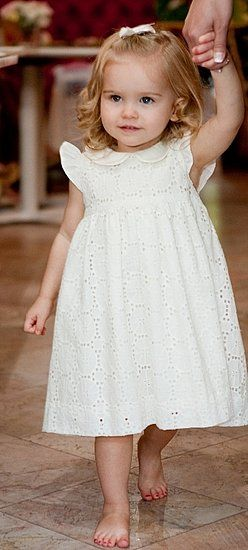 Gorgeous and classic little girl dress, love this, ....by Classic Clothes For Little Girls | Lovely