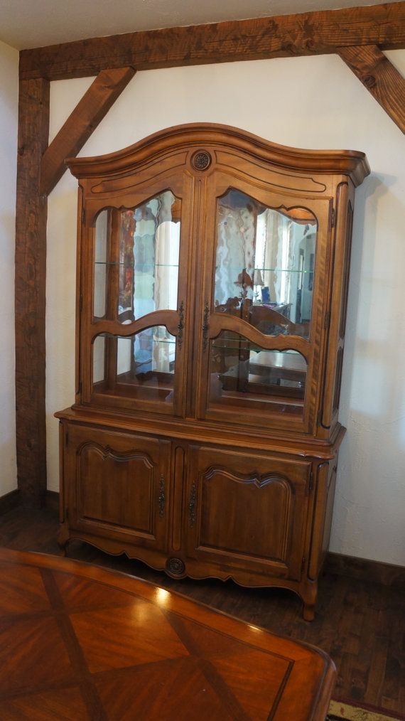 Ethan allen country french hutch excellent condition french provincial furniture for Ethan allen french country bedroom furniture