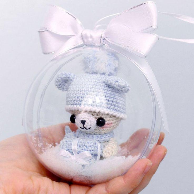 Crochet teddy bear with Christmas gift - amigurumi pattern