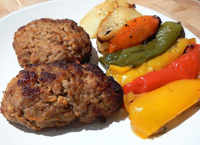 Kitchen Stori.es: Μπιφτέκια στο Φούρνο με Λαχανικά