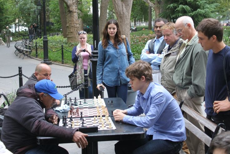 Magnus Carlsen is playing in Central Park in Manhattan, New York.