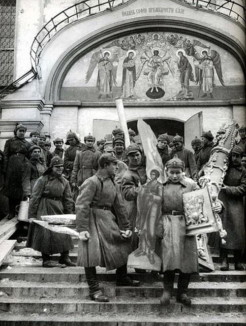 Red Army soldiers stealing property of Simonov Monastery, 1923.