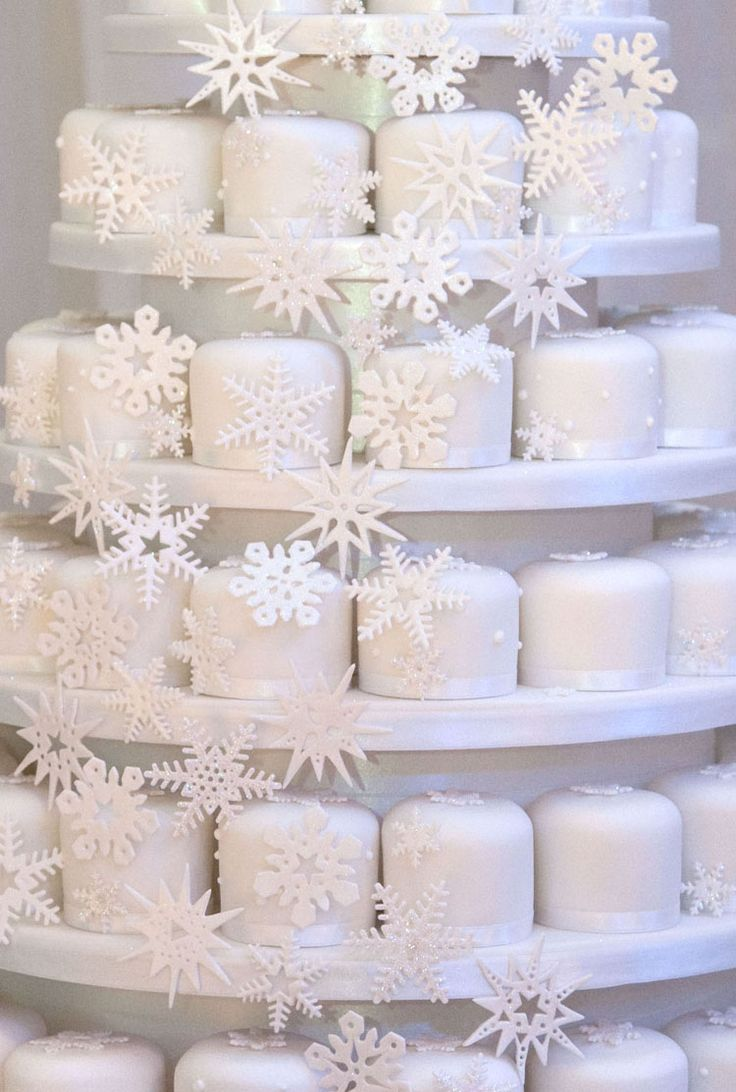 I recognise most of these snowflakes - love it when I spot my sugarcraft cutters being used by others