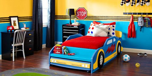 Decorar un dormitorio para futuros pilotos de carreras