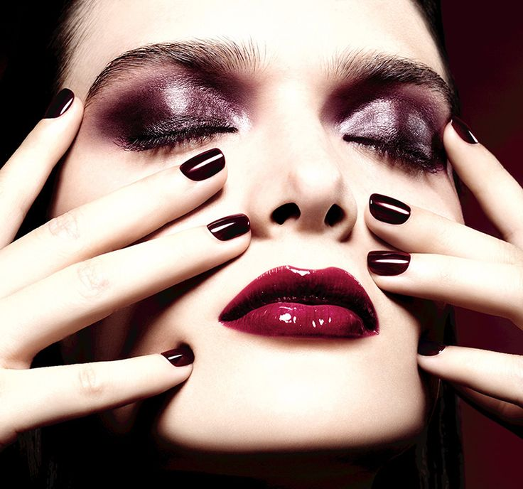 Chanel Rouge Noir Absolument Makeup Collection for Christmas 2015 promo