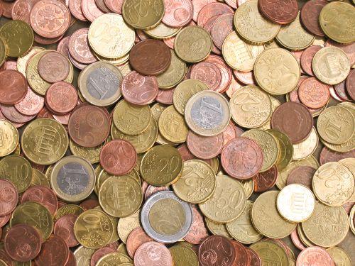 Tips om geld te besparen tijdens de feestdagen. Kerst. Kerstontbijt. Kerstdiner.