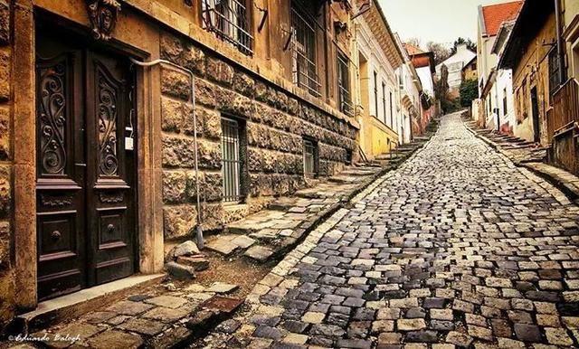 Barangolj velünk Budapest utcáin