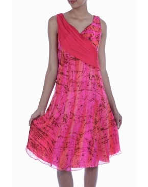 Buy vibrant designer wear at http://www.mydesignersales.com/special-offers/holi-special-1.html