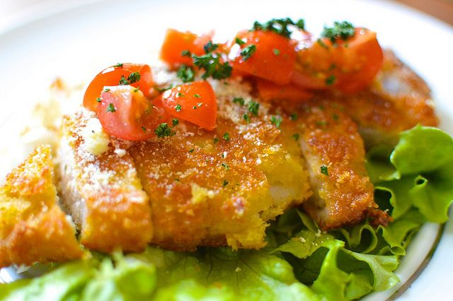 大満足の味!栗原心平ちゃんの「トマトソースのミラノ風カツレツ」