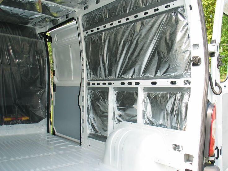 Les portes sont soigneusement nettoyées, les commandes d'ouverture contrôlées. De l'isolant 13 couches a été acheté en promotion...