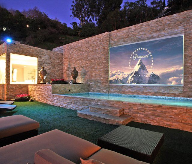 Outdoor theater: Dream Backyard, Pool, Movie Theater, Dream House, Outdoor Theater, Movie Night, Outdoor Movie, Design, Dreamhouse