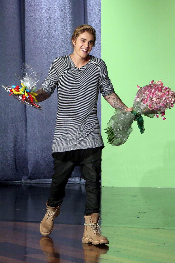 Justin Bieber visits Ellen Degeneres for her birthday on Jan. 28, 2015.  Warner Bros -Cosmopolitan.com