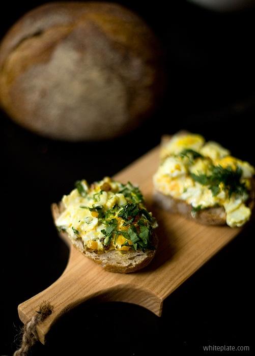 Pasta jajeczna z curry - White Plate