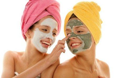 Ponte una mascarilla facial y  tu piel estará más suave y sana