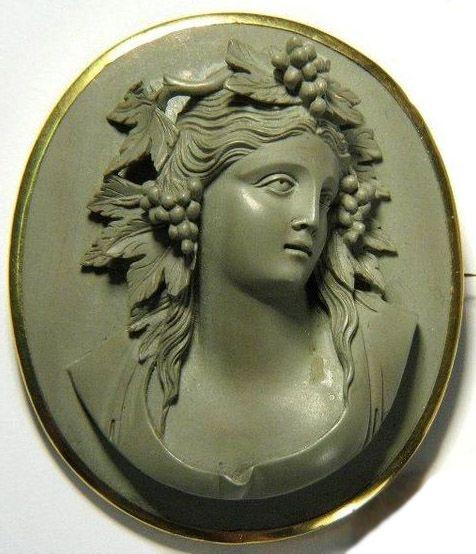 Bacchante | green lava, gold brooch