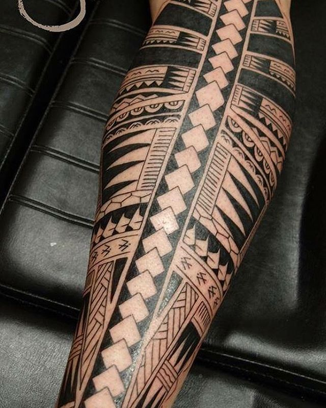Tatouage réalisé par le salon Yo Tattoo Shop. Vous êtes tatoueur ou tatoué?N'hésitez pas à venir sur notre site pour partager votre tatouage avec toute la communauté. Notre site: http://www.montatoueur.fr #montatoueur #tatoueur #tatouage #tattoos #tattooartist #tattoolife #tattoodesign #tattooist #tattooing #tattooer #tattoosofinstagram #tattoo  #instaphoto #picoftheday #photoftheday
