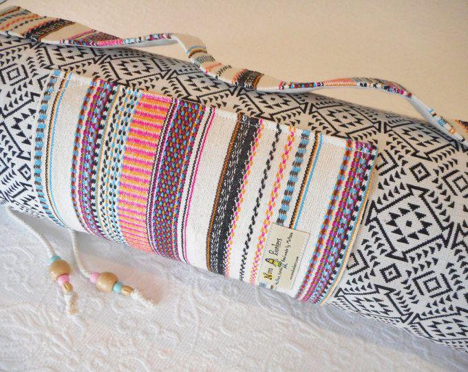 Yoga mat bag - Mexicaanse textiel - havermout / Onyx - INCA patroon - Mex regenboog streep trim stof - includes zak & beaded trekken string.