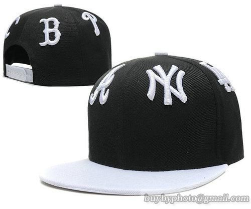 Cheap Wholesale Trendy Hiphop White Black Snapback Hats MLB Team Logo 16 for slae at US$8.90 #snapbackhats #snapbacks #hiphop #popular #hiphocap #sportscaps #fashioncaps #baseballcap