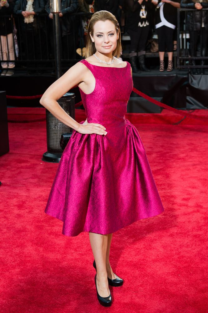 Red Carpet hit (2/2) – Seen at Gala Artis, Beauty in pink Catherine Anne Toupin wearing diamond jewellery by Birks! Credit : Huffington Post